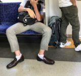 人気声優「(電車では)女性の隣に座る」 「邪ではない」理由に共感の嵐