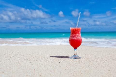年末年始は「ひとりハワイ」!? 旅行サイトの検索数が急上昇